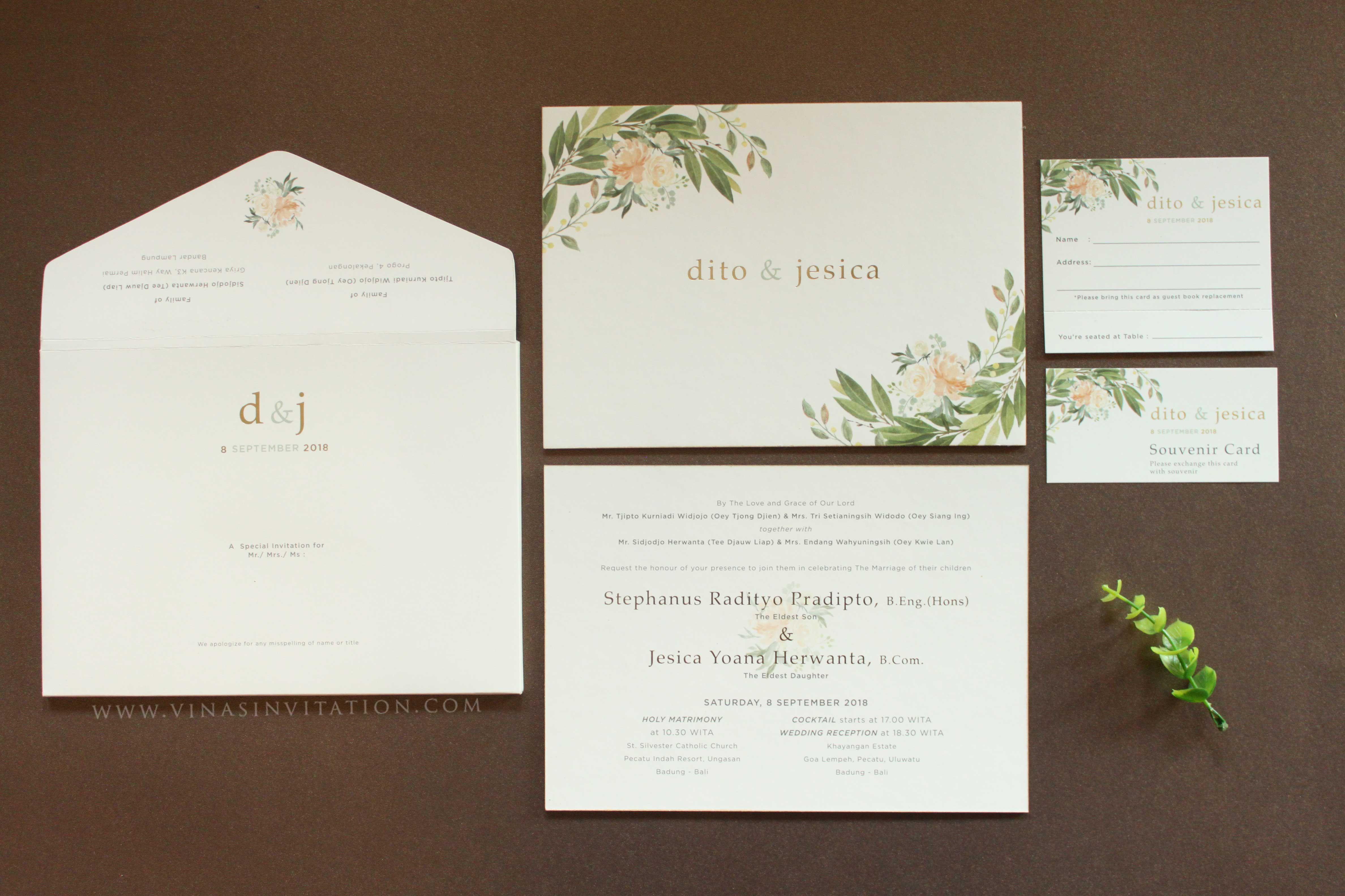 Wedding Invitations Sydney: Vinas Invitation. Flower Theme Invitation. Floral Theme