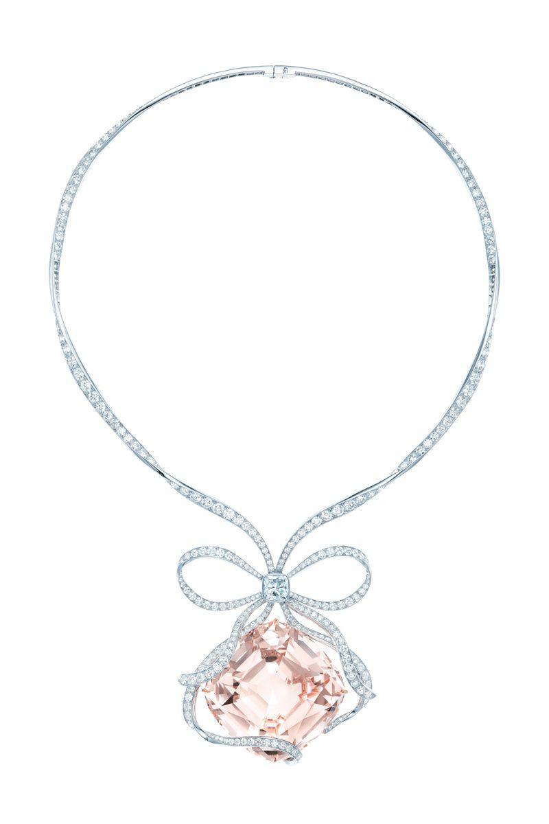 Collar de Tiffany & Co. de platino con diamantes y una enorme moganita  central.