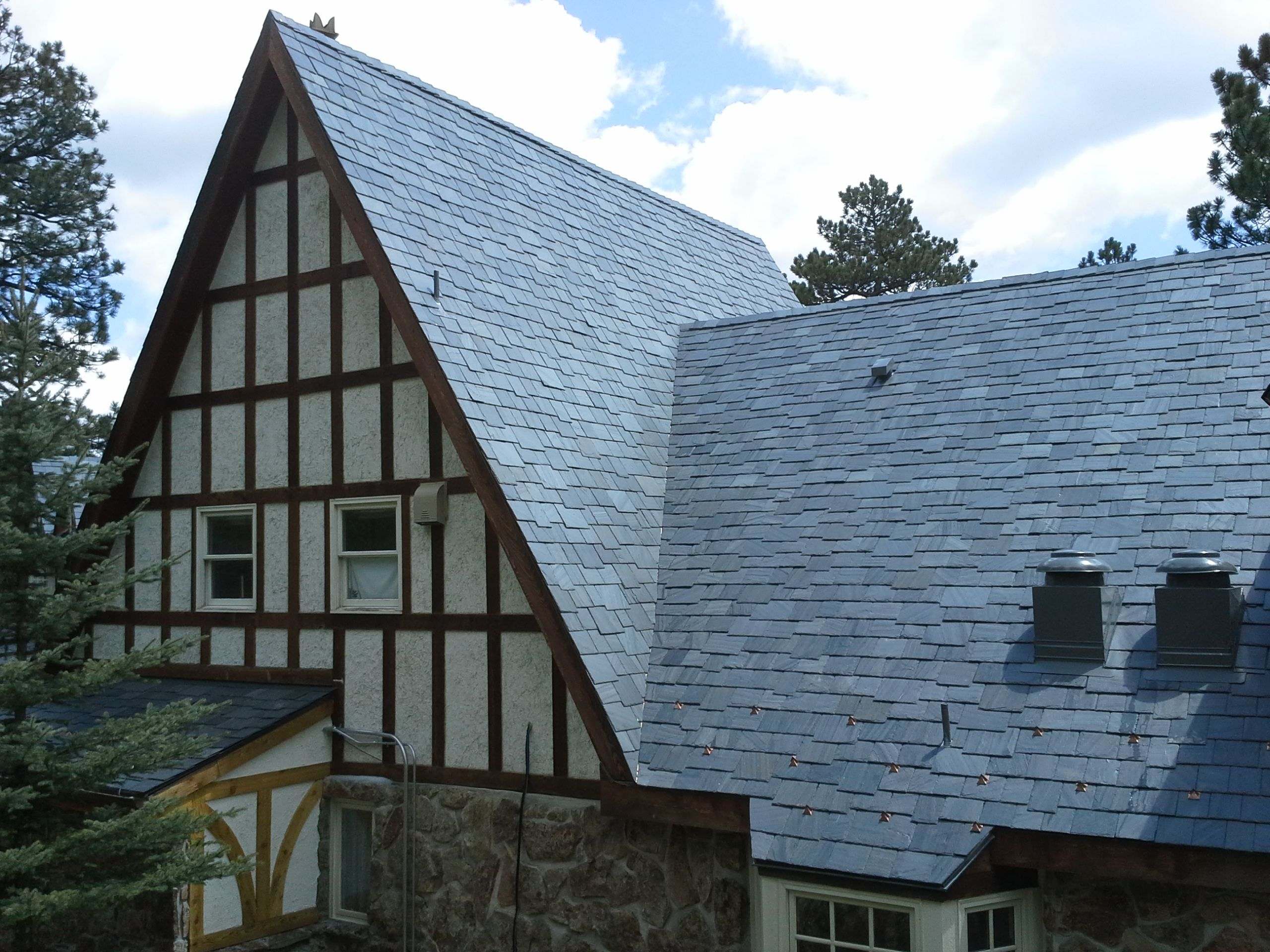 Best Cedar Shingle Roof But Using Slate For Roof That Will Last 400 x 300