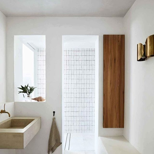 Our Melbourne shower screens will be the highlight of your bathroom.  ATMGlassframelessshowerdoors_009
