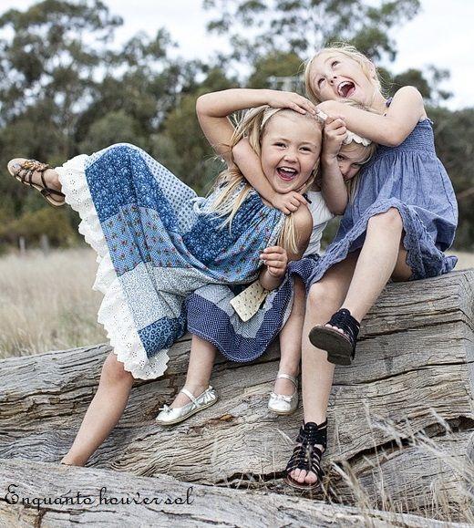 Para os bons amigos sempre há um abraço apertado, um sorriso sincero, uma história pra contar, e um cantinho para se aninhar quando a saudade chegar.  Rosi Coelho
