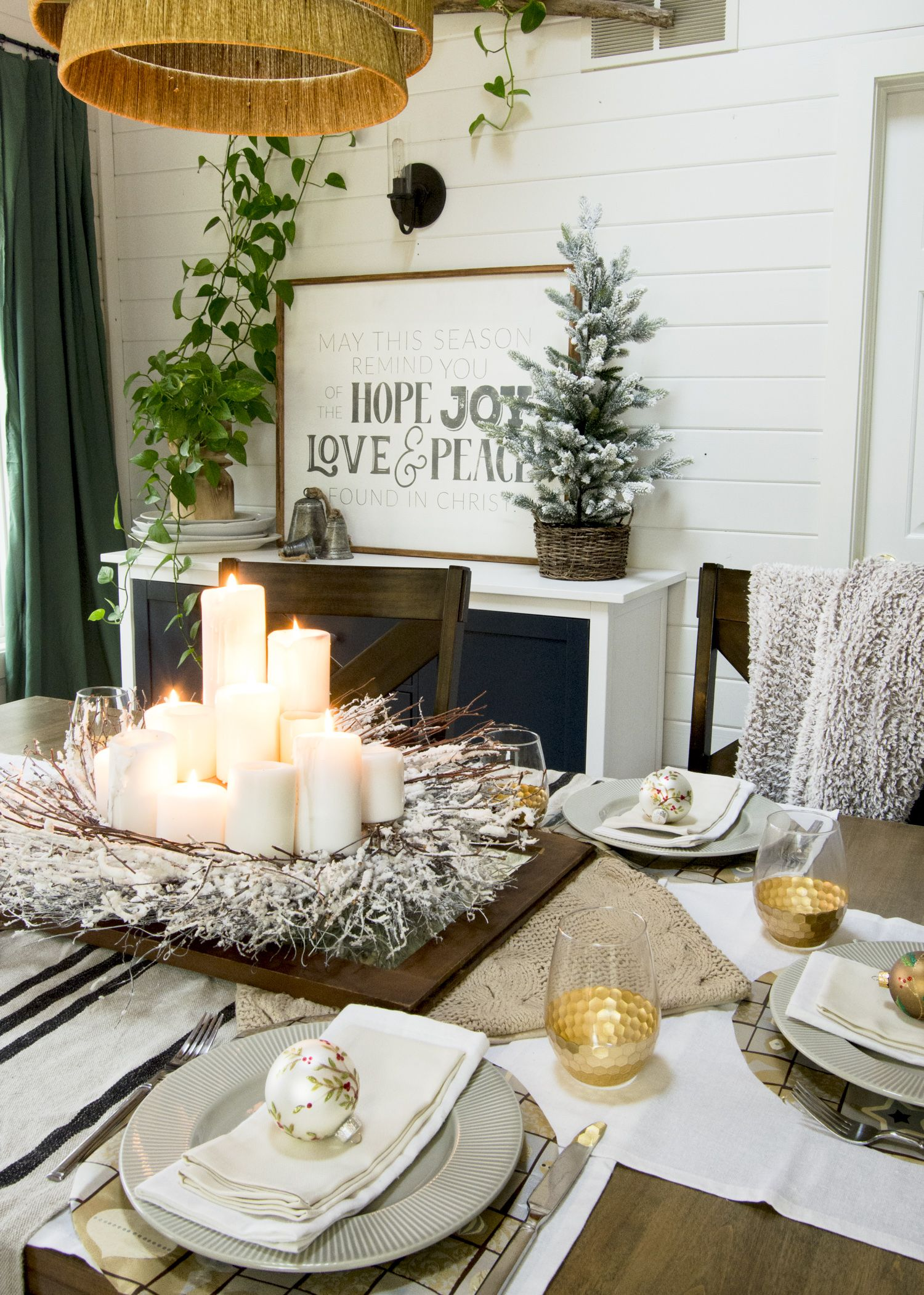 White And Gold Centerpieces As Christmas Table Decor Christmas Table Decorations Christmas Table Table Decorations