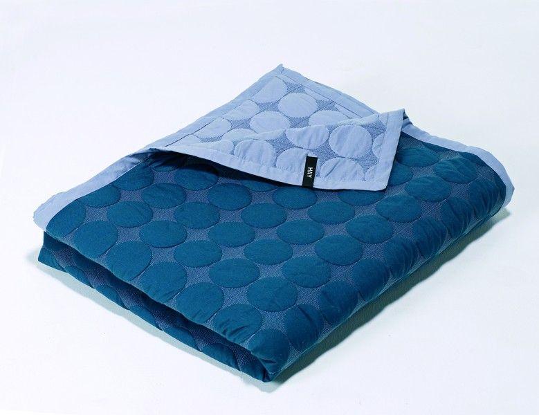 hay mega dot sengeteppe 195x245 h o m e p e a k s. Black Bedroom Furniture Sets. Home Design Ideas
