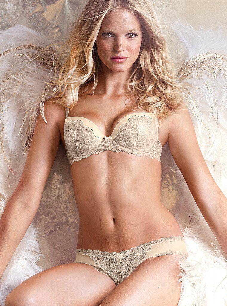 5a391a374b Victoria s Secret Sexy Hot Lingerie Models Doutzen Kroes