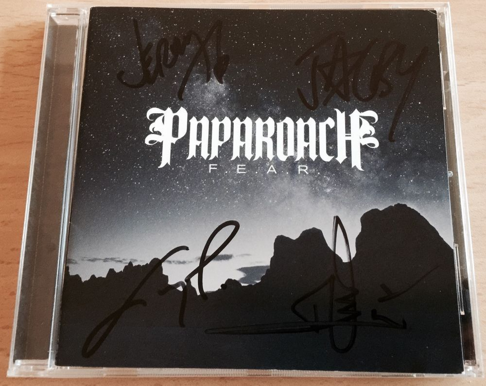 PAPA ROACH - F.E.A.R SIGNED AUTOGRAPHED CD #AlternativeIndie