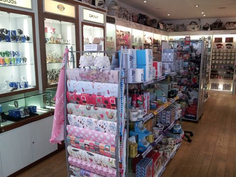 gift shop design interior - Google Search | shop ideas | Pinterest