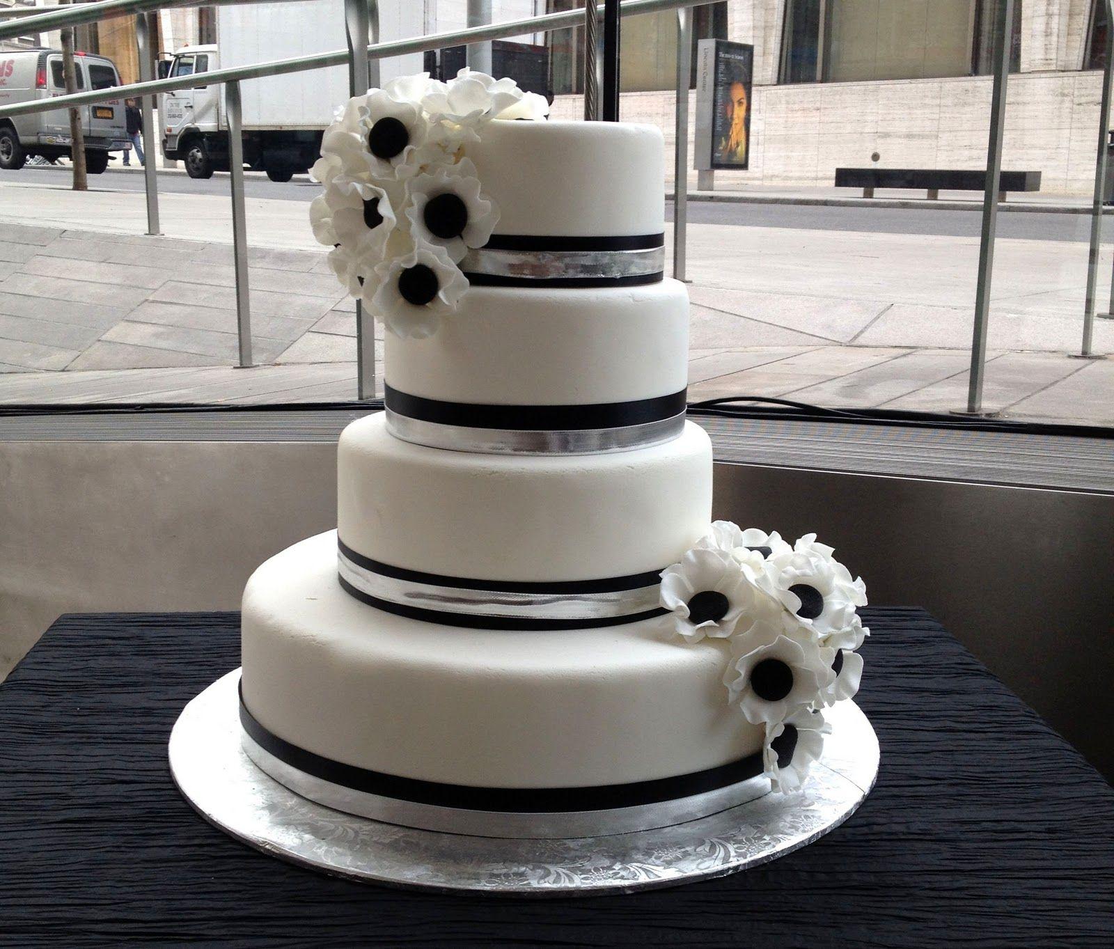 Flower Black And White Wedding Cakes