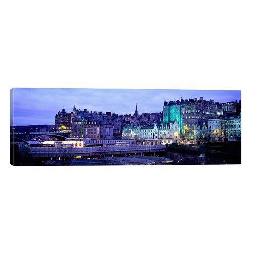 Brayden Studio Leinwandbild Altstadt von Edinburgh, Schottland | Wayfair.de