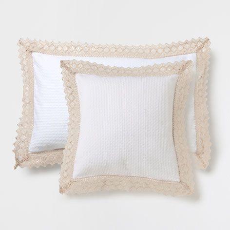 Coj n algod n puntilla ideas para el hogar cojines cama cojines y zara home Cojines exterior zara home