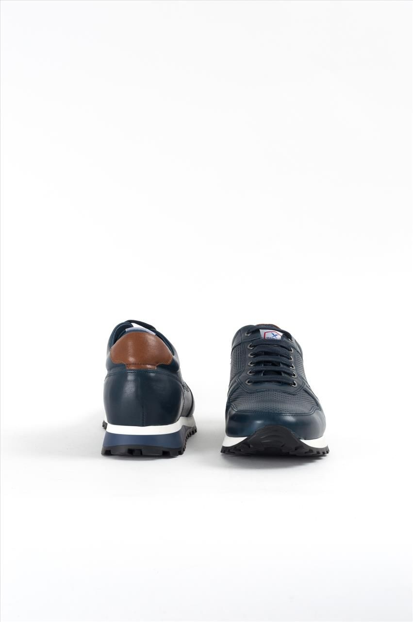 b56f4fb223e Ανδρικά δερμάτινα δετά παπούτσια της εταιρείας Damiani. Διαθέτουν κορδόνια,  αντιολισθητική σόλα για σταθερό περπάτημα
