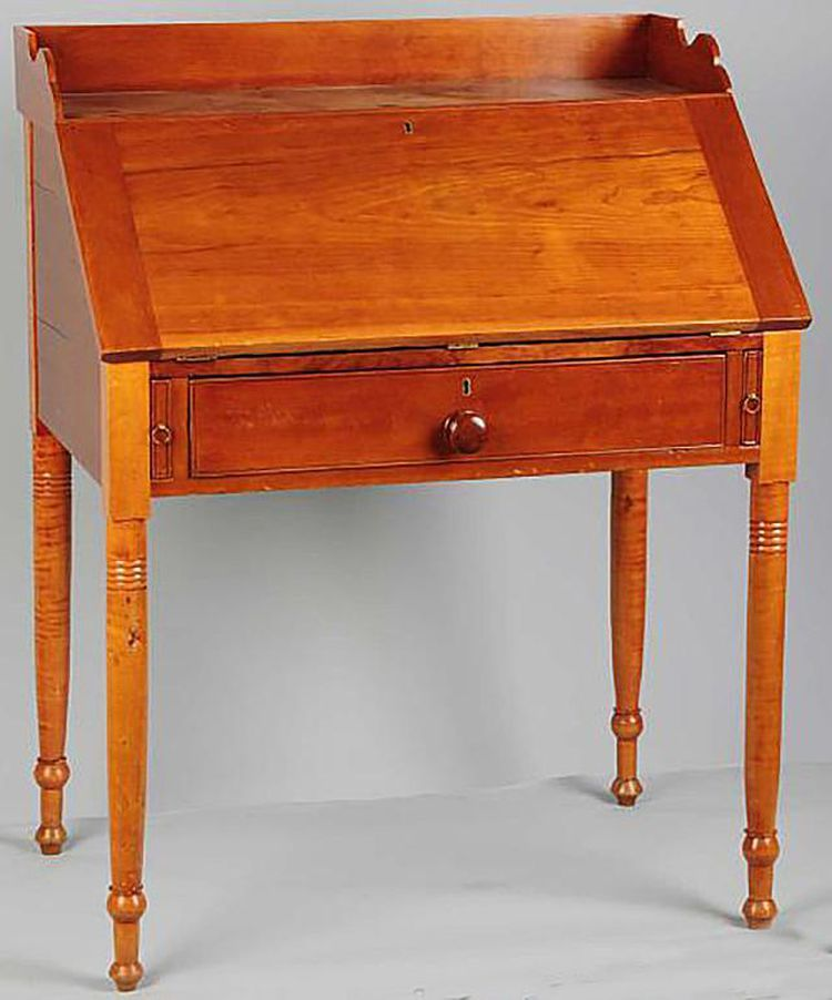 10 Antique Desk Styles You Probably Don