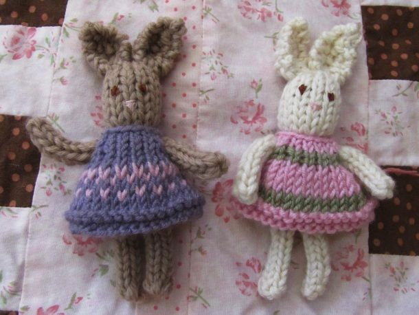 Miniature Knitted Bunnies Knitting And Crocheting Pinterest