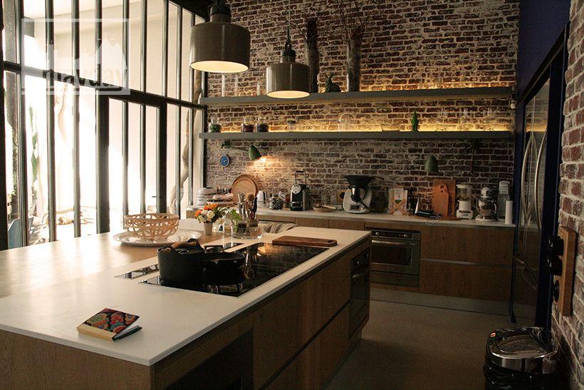 clav0024-loft-avec-patio-cuisine-2 | Loft | Pinterest | Lofts