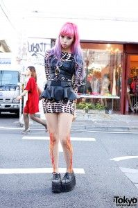 The Harajuku scene in 2012 had many trends. Some of those were dip dyed and lavender hair, tattoo tights, avante garde and creepers, (rubber platform shoes). One 16 year old girl became infamous for trending them all.  Juria Nakagawa was the it girl in japan 2012.