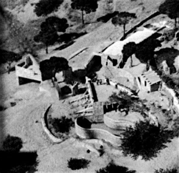 Vista aérea do edifício em construção Fonte: http://www.casaugalde.com/es/la-historia/