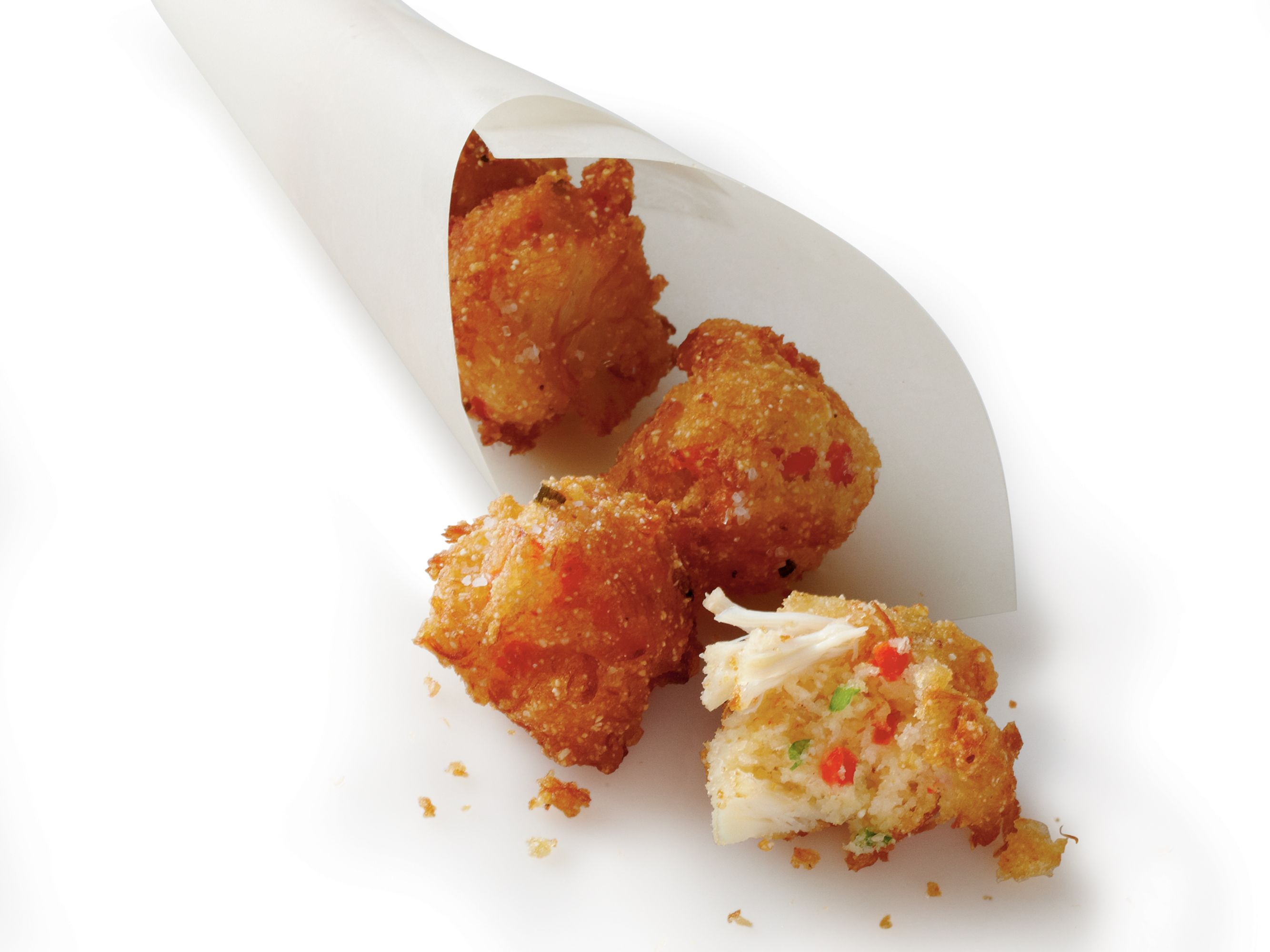 Crab Cake Hush Puppies Serve These Crab Cake Hush Puppies With Your Favorite Remoulade Or Cocktail Sauce For Tasty Ap Mini Appetizers Seafood Recipes Recipes
