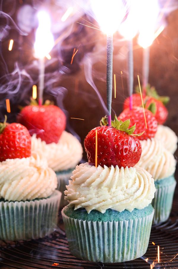 Red, White & Blue Sparkler Cupcakes!  http://www.thenovicechefblog.com/2015/06/red-white-blue-sparkler-cupcakes/
