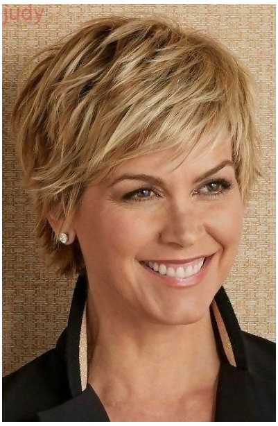 short hairstyle women fine hair under 30
