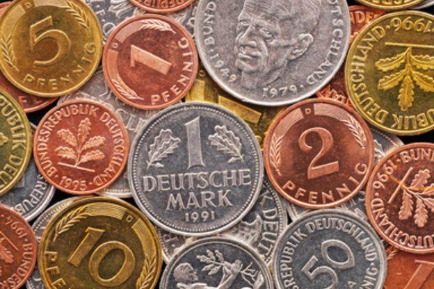 Die Münzen Der D Mark Es Gab 1 2 5 Und 10 Pfennig Münzen Die Aus