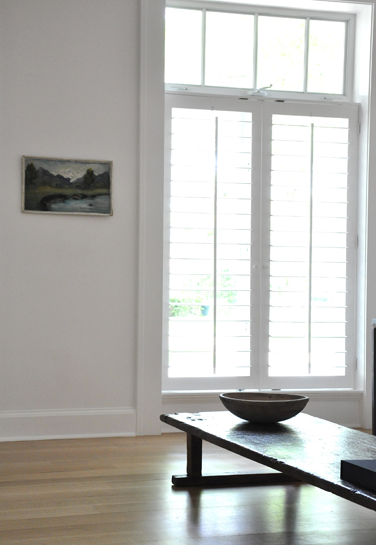the ability to simplify White rooms, Interior shutters