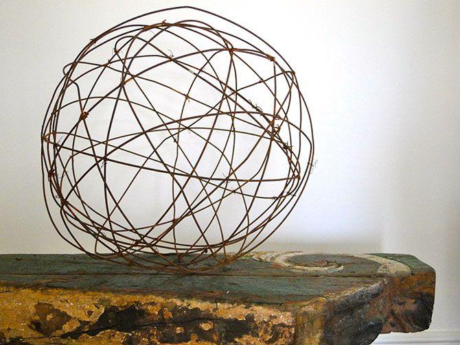 DIY Grapevine lighting balls ...What a BRIGHT idea ! | Tutorials ...