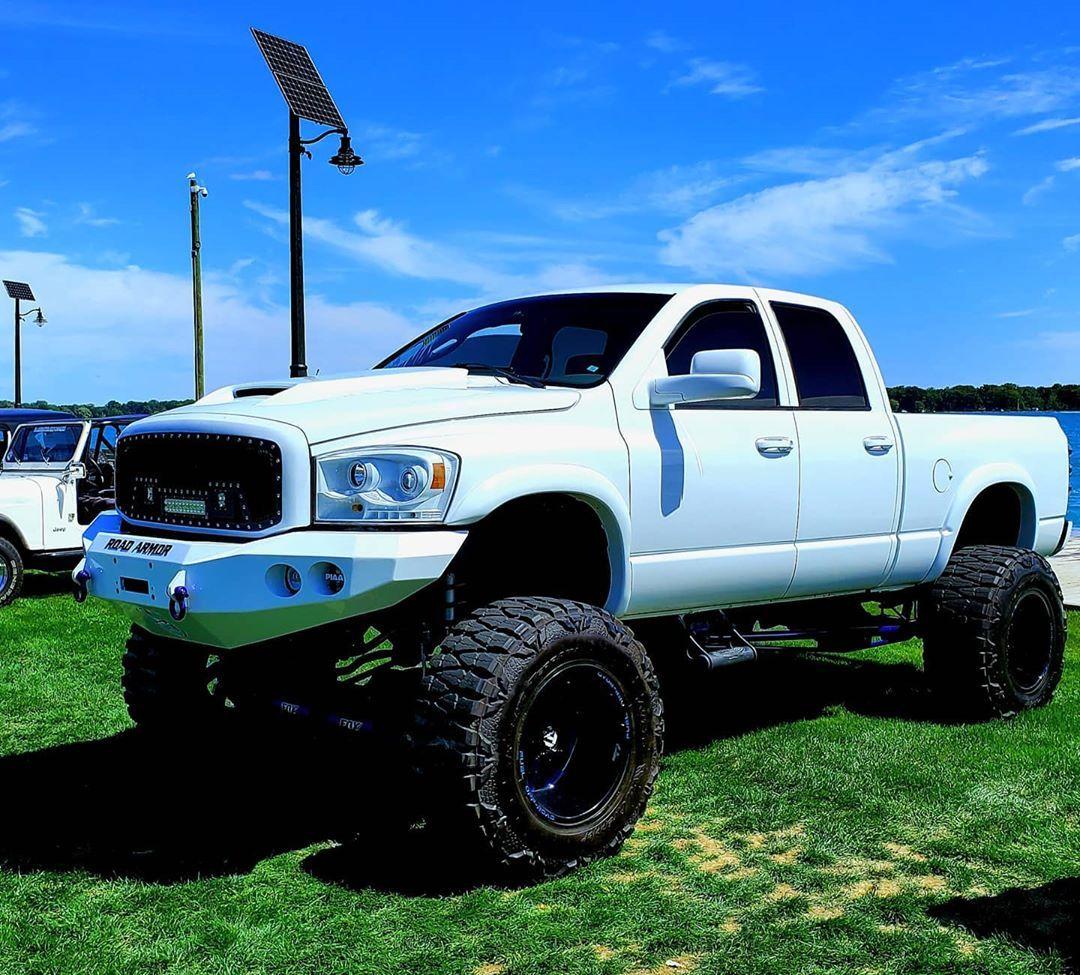 #bigdodgebrother #bigbastard #hemi #dodge #diesel #4x4 #40s #lifted #likeforfollow #lifestyle #summer #boystoys