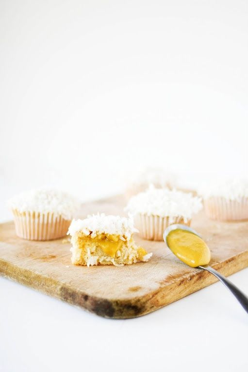 Coconut and Mango Curd Cupcakes ♥