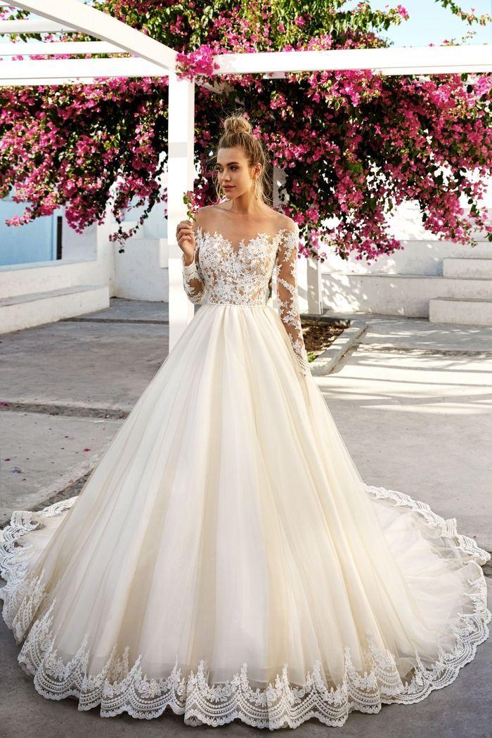 Weites Brautkleid Spitze Und Tull Schulterfrei Mit Langen Spitzenarmeln Kleider Hochzeit Brautkleid Prinzessin Hochzeitskleid