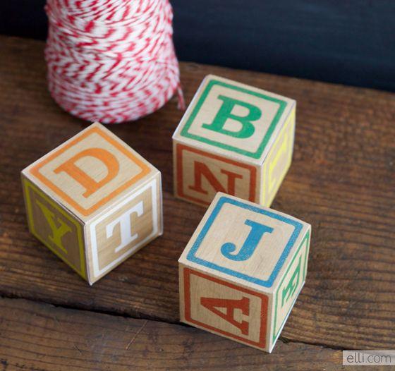 Plantilla de cajitas imitando juego infantil // DIY Alphabet Blocks