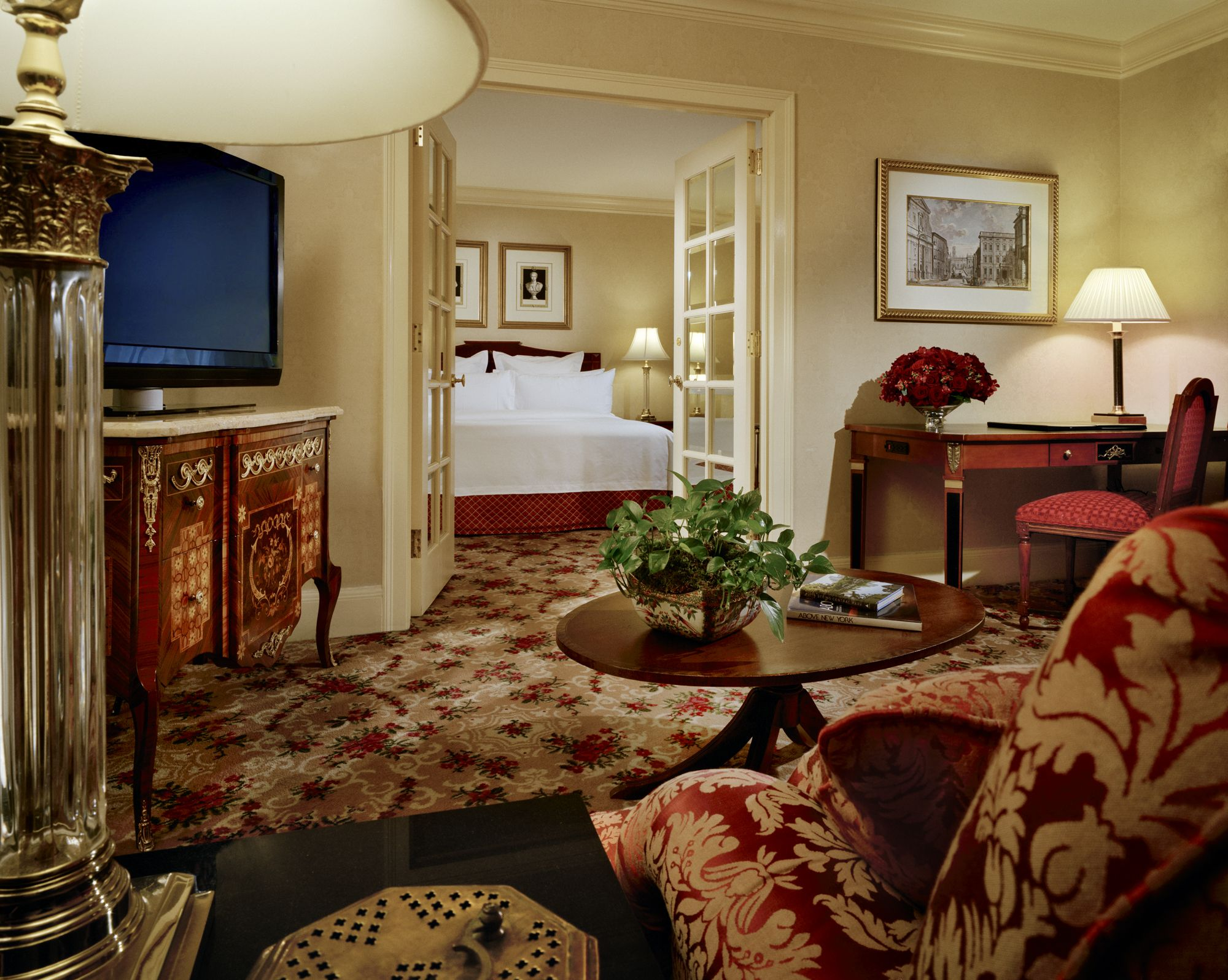Executive Suites From 400 Square Feet (38 M2)  King Or Queen. Our · Astoria  NycHotel ...