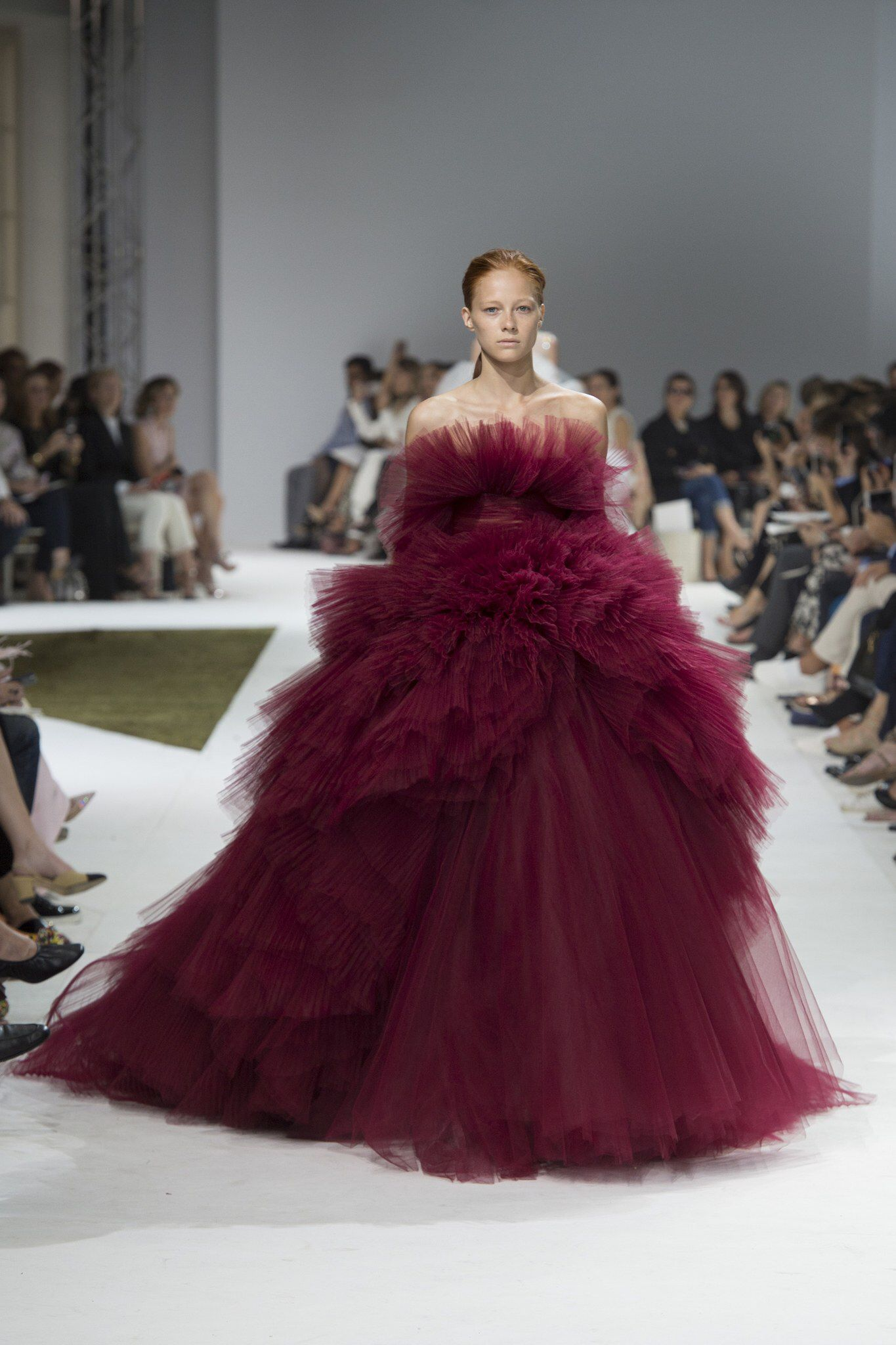 Giambattista Valli Fall 2016 Couture Fashion Show Fashion