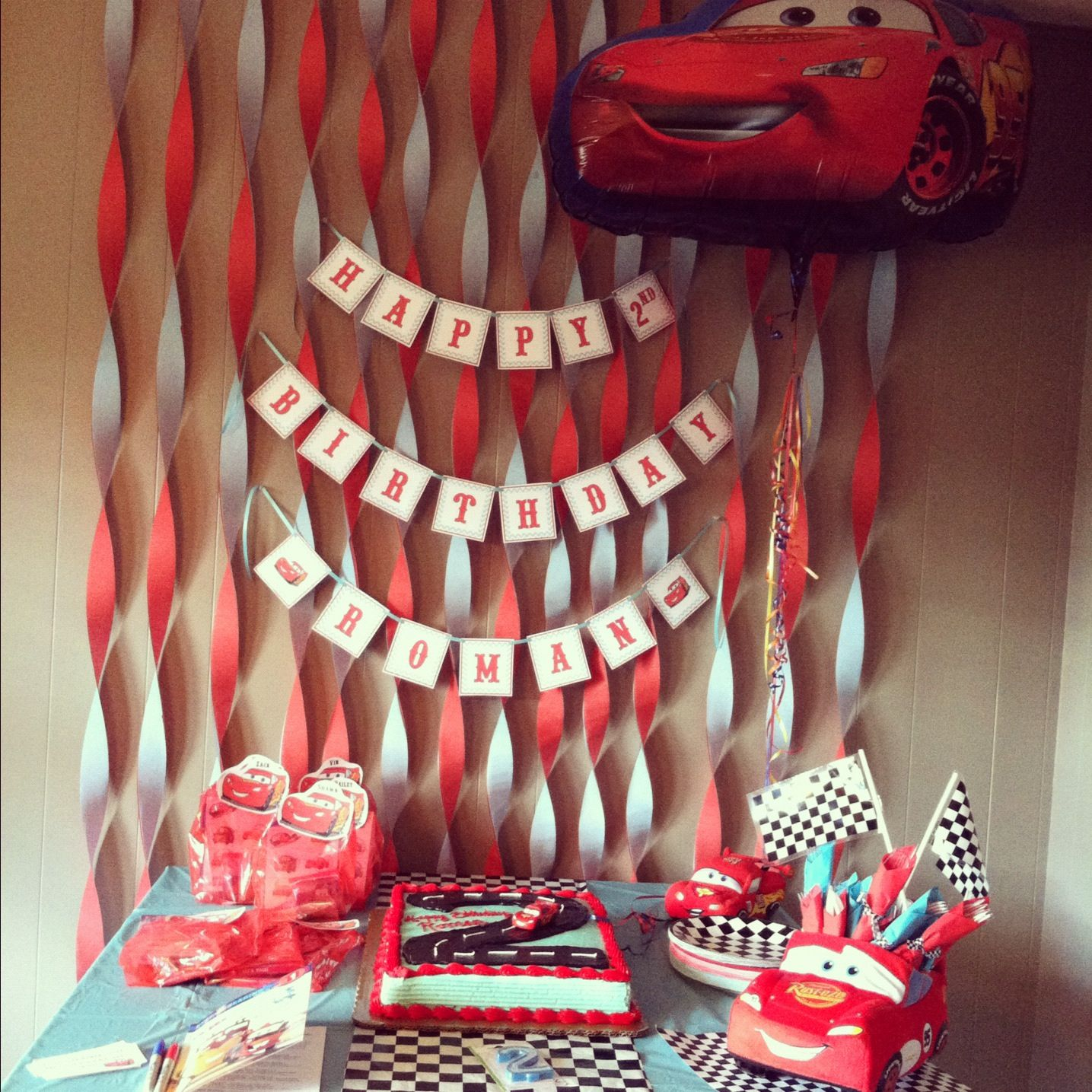Cars Table Decorations Cars Birthday Decorations And Cake Table Romans Cars