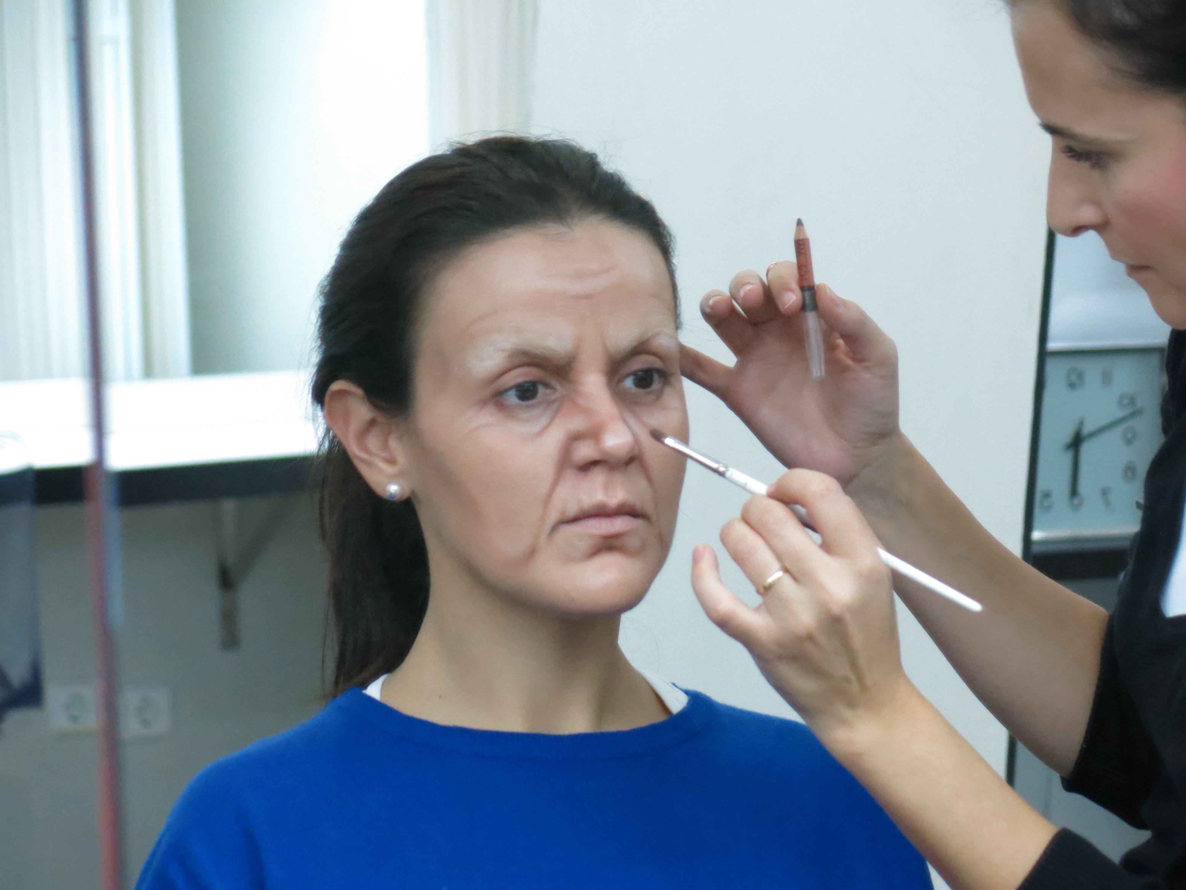 Clase de demostración del curso TECNICAS DE 2º NIVEL #makeupforever #teatro #maquillaje #makeup #envejecimiento #menchubenitez