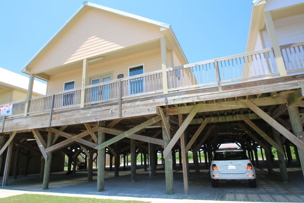 711030 condo across from the beach in grand
