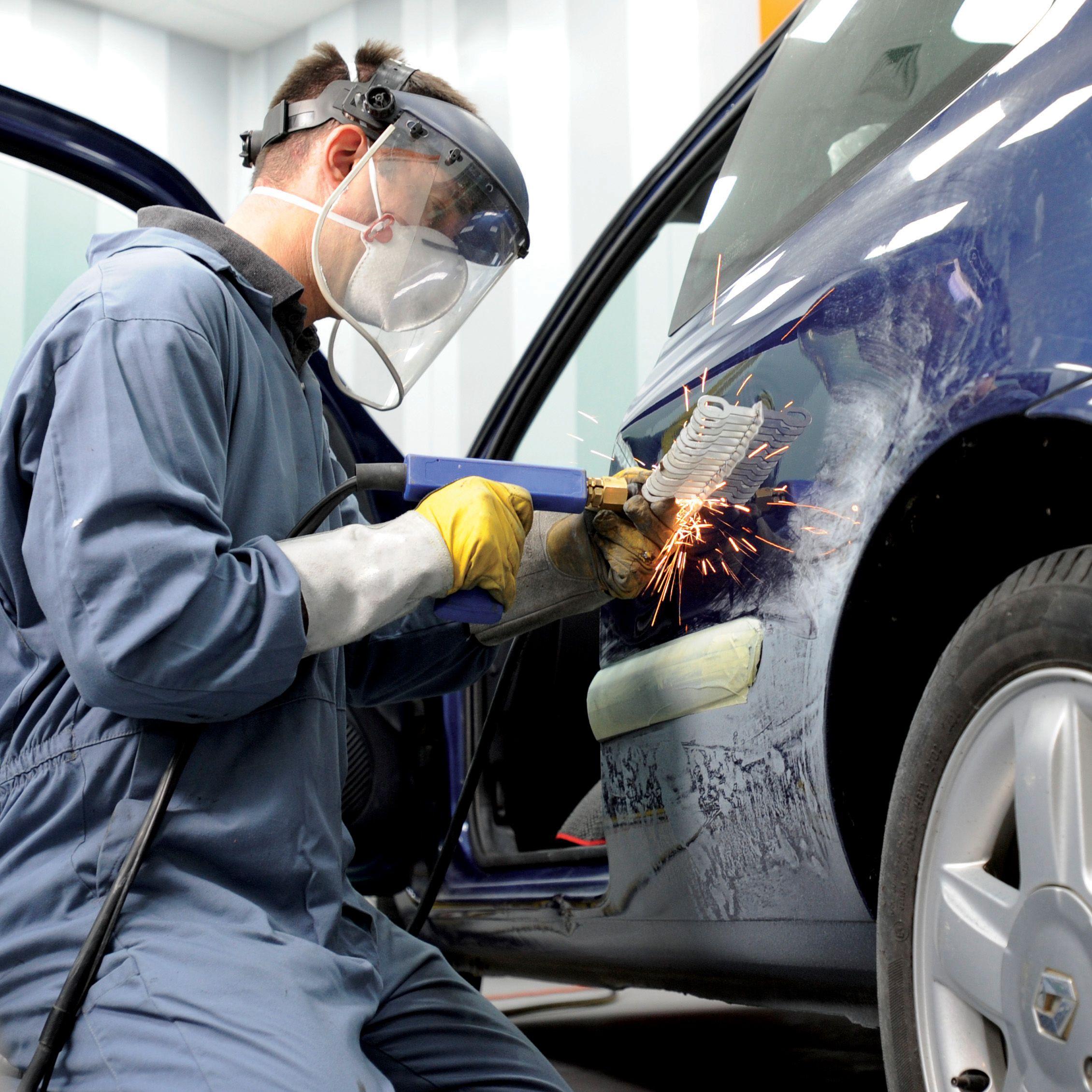 Best and DIY Tips for Car Body Repairs Seguros