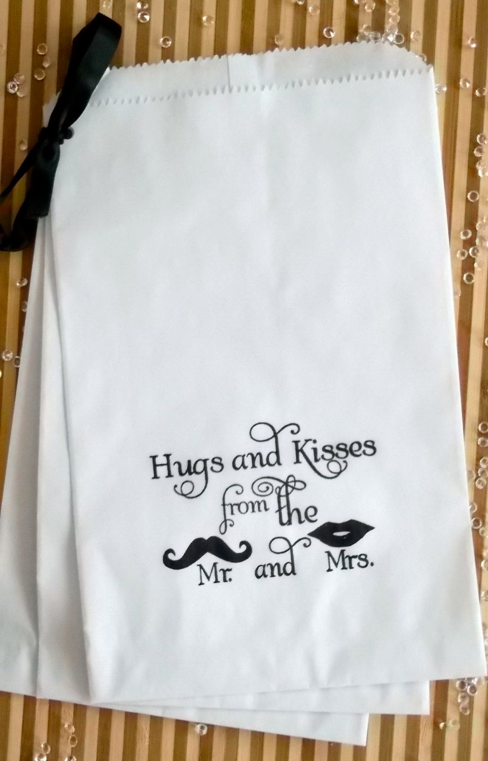 50 White retro \'Hugs and Kisses...\' candy buffet bags, wedding cake ...