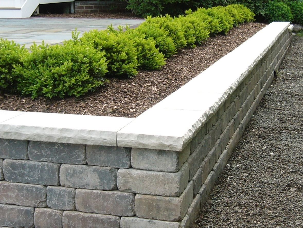 Pin By Melissa Revane On Landscape Walls Landscaping Retaining Walls Large Backyard Landscaping Backyard Retaining Walls