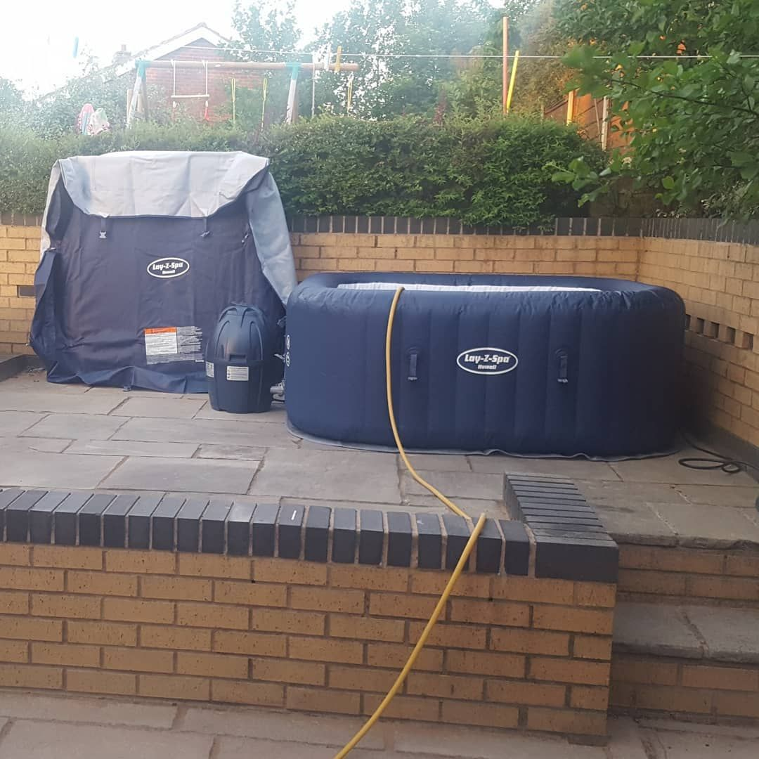 Hottub Verlichting This Square Space Was Ideal For A Hot Tub As You Can See We Got