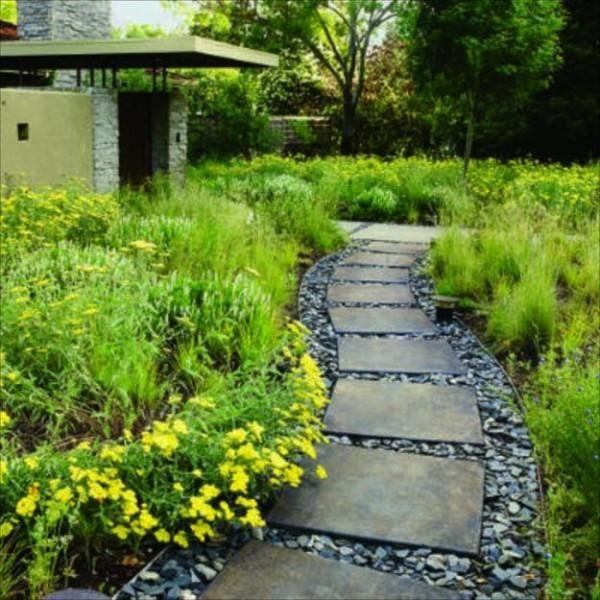 25 Yard Landscaping Ideas Curvy Garden Path Designs To Feng Shui Homes Easy Garden Front Yard Landscaping Design Garden Pathway