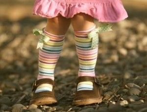 girl's socks out of tights DIY - Love this idea
