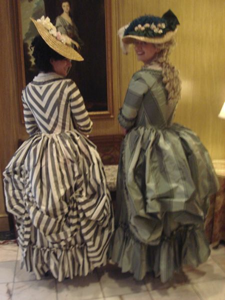 Google Image Result for http://www.neverlight.com/~madame.s/Events/Costume%2520Con%252027/back%2520striped%2520gown%2520at%2520tea.jpg