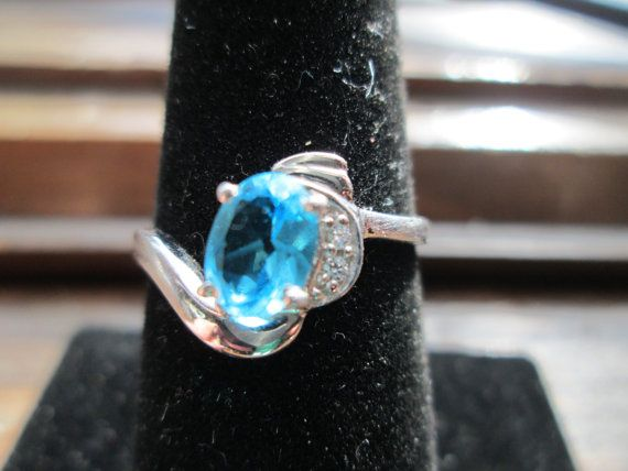 Vintage Designer 77ctw Swiss Blue Topaz White Sapphire 925 Sterling Silver Ring Size 7.5, Weight 1.9 Grams