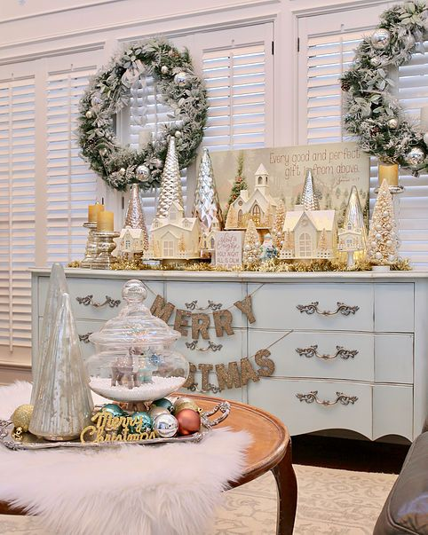 Favorite christmas room home decorators tour cutertudor also rh pinterest