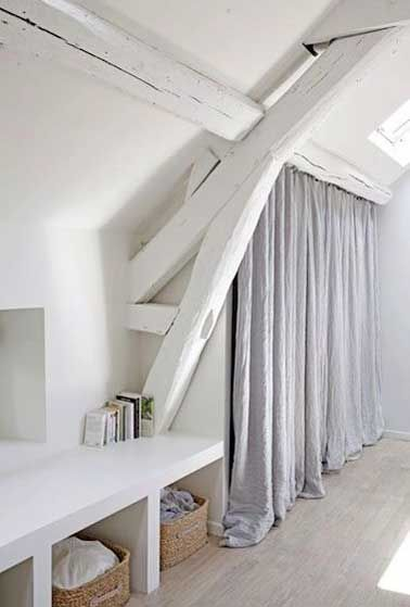 Dressing sous pente sans souci pour sa déco chambre Dressings - deco maison avec poutre