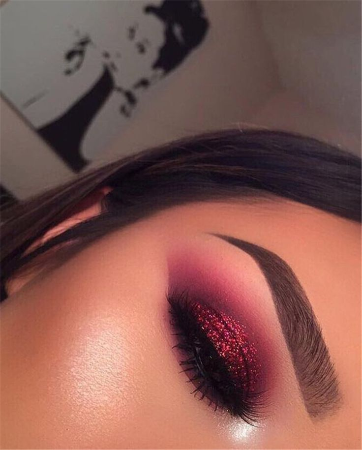 50 Fantastic And Sparkling Eye Makeup With Glitter You Should Try This Summer  Page 7 of 50 50 Fantastic And Sparkling Eye Makeup With Glitter You Should Try This Summer...