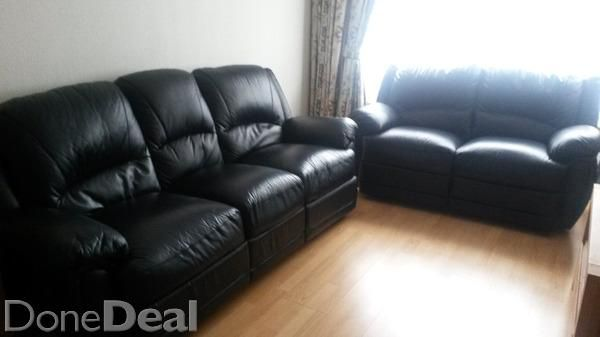 Black Leather Sofa 3 2 With Recliner With Images Black Leather Sofas Sofa Leather Sofa