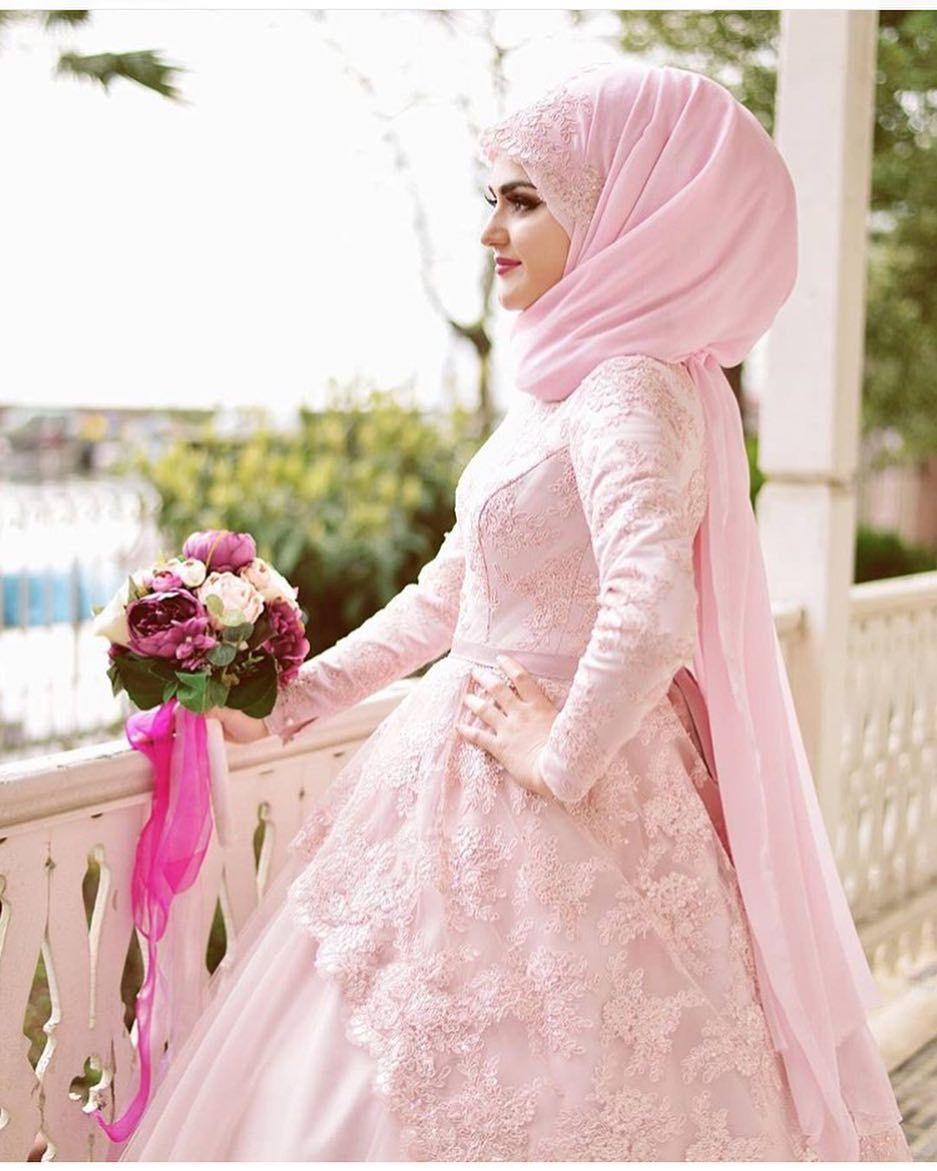 Pin de Tuba Nur Can en Hijab Wedding Dress | Pinterest
