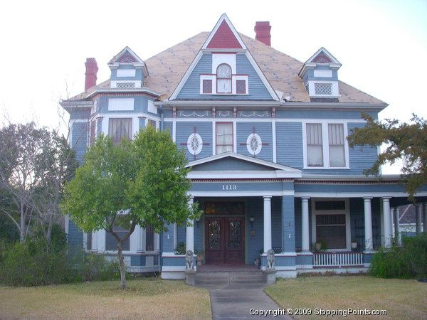 Sangster Victorian House In Navasota Texas Victorian Homes House House Styles