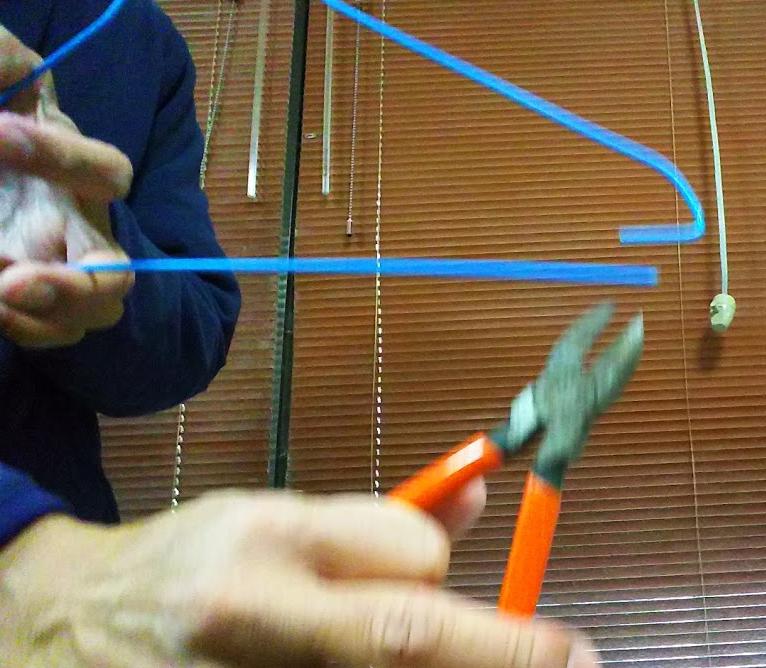 針金ハンガーでキッチンペーパーホルダーの作り方 簡単に