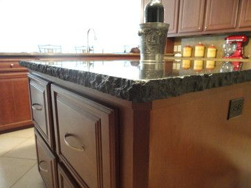 Granite Counter With Jagged Edge Kitchen Remodel Traditional Kitchen Cheap Kitchen Remodel Kitchen Remodel Layout Inexpensive Kitchen Remodel